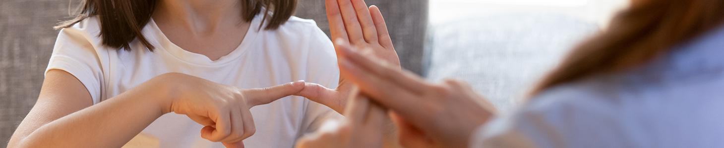 Insegnare la lingua dei segni italiana alle persone udenti 1
